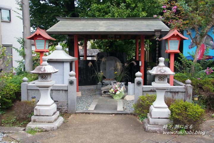 宿場町 栗橋 静御前の墓石